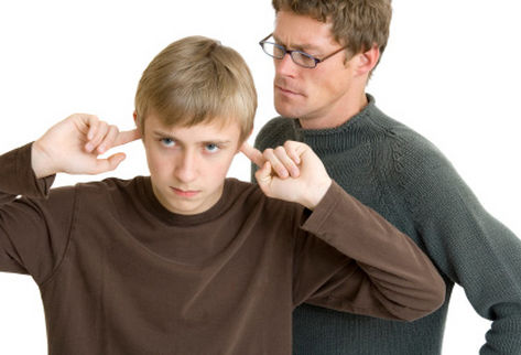 Seu filho não consegue fazer as coisas sozinho ?