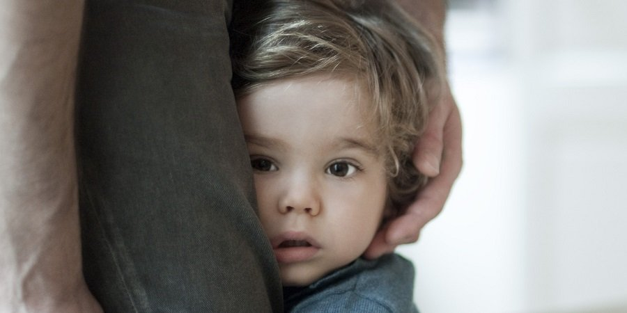 Filhos que não desgrudam dos pais